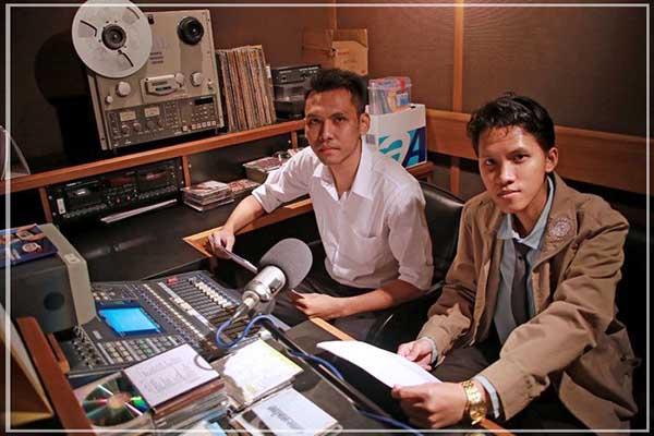 radio-station-male